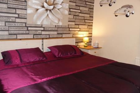 King Bed en-suite. price includes breakfast