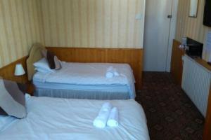 Twin Room. En-Suite