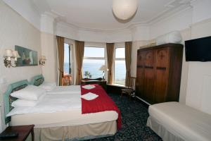 Sea View Triple Room