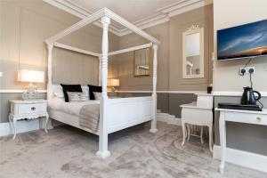 SUPERIOR KING DOUBLE DELUXE ROOM