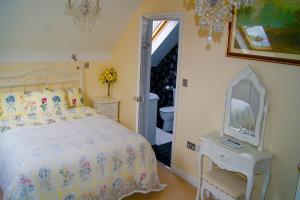 Daffodil Double En-Suite Room