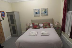 Room 4 - Standard Double Bed