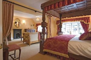 Jacobean Suite
