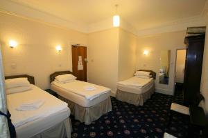 Triple Room (TT4)
