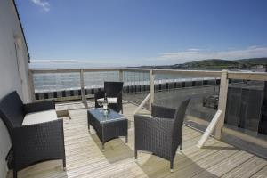 Junior Suite with Sea Views and terrace