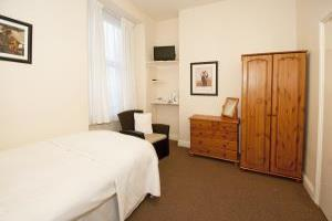 Single En Suite Room