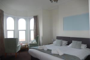 Room 2, Sea View, 1st Floor