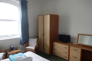 Room 5, Sea View, 2nd Floor