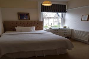 Single bedroom (double) B