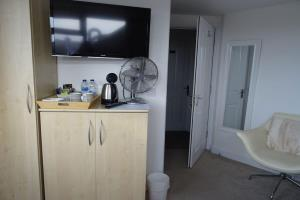 Chesil Double En Suite 2nd floor