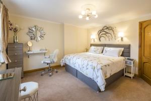 Kione Turrys - Master Bedroom - Superking or Twin