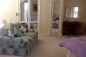 Clementine Family/Twin En-Suite Room