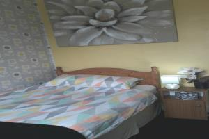 Single room with private bathroom including shower