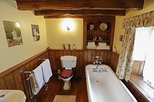 Bedroom, Bathroom & Lounge/Dining Area
